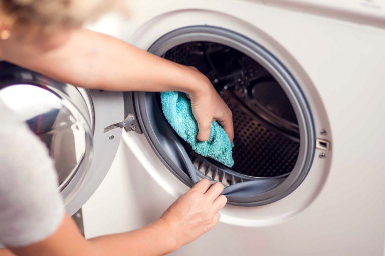 washing machine seal clean best way