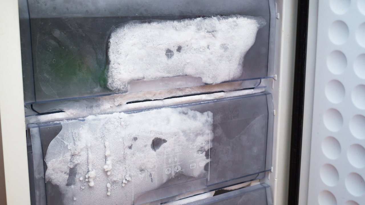 How to fix a freezer that isn't cooling?