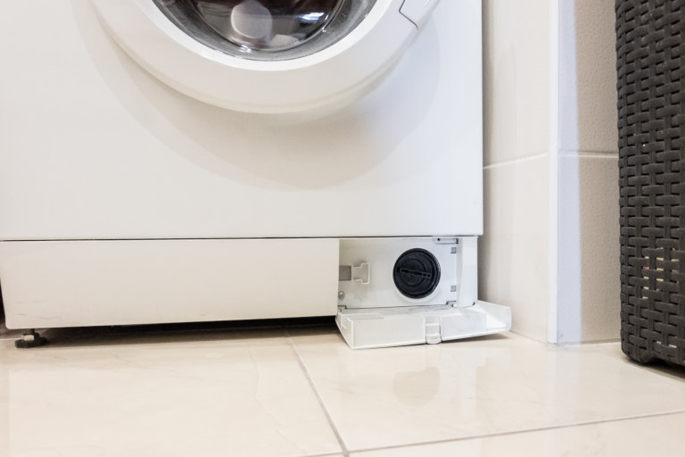 How to Clean a Smelly Washing Machine | Beko