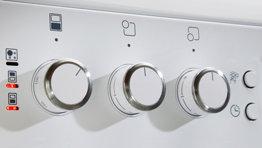 close up of cooker knobs