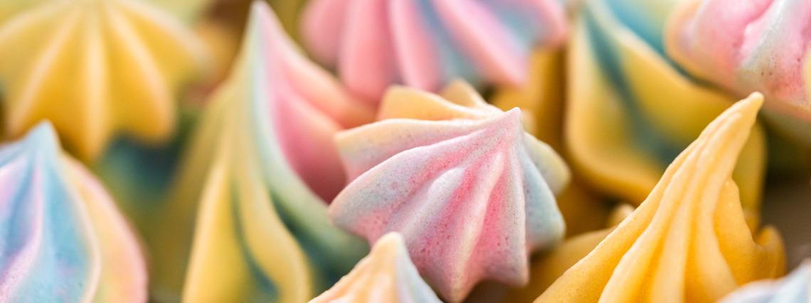 Unicorn meringues
