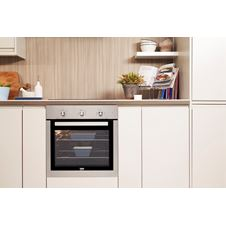 Single Fan Oven with Easy-Clean Interior BIF16100