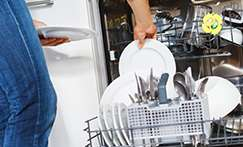 How to load plates in your dishwasher